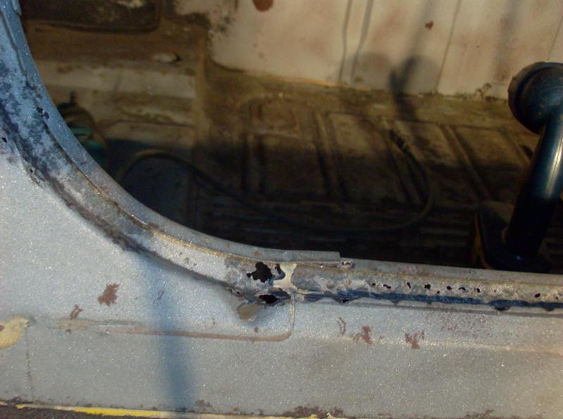 trunk weatherstrip rail (3)